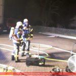 Brand in Werkstattgebäude: </br>Eine Person noch im Gebäude vermisst
