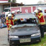 Limousine zu Cabriolet in fünf Minuten: Schauvorführung der Feuerwehr