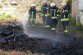 Kleiner Flächenbrand in der Leimener Bergstraße – Mit Bordmitteln gelöscht