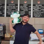 """Die Abenteuer des Diljemer Kreiselfrosches - Staffel I / Folge 4 - """"Burgertime"""""""