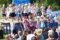 Fröhlicher Familiengottesdienst mit Kindergarten-Kindern im Leimener Bäderpark