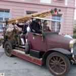"""Rundfahrt  """"Nostalgie in Rot"""" – </br>Feuerwehr-Oldtimer pausierten in Leimen"""
