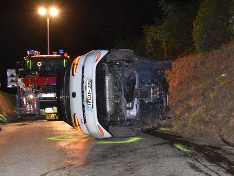K4157 Maischbach Richtung Nußloch: Autofahrer kommt von Fahrbahn ab