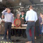 Weinkerwe: Weinfaß-Anstich des OB klappte – Doch dann nahm das Unglück seinen Lauf
