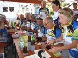 Französische Radsportler aus Andernos radelten 1200 Kilometer zur Nußlocher Kerwe