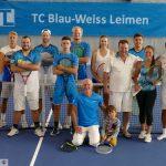 Neuer Hallenboden in den Vereinsfarben des TC Blau-Weiß Leimen eingeweiht