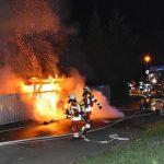 Nußloch: Holzschuppen durch Brand völlig zerstört - Schaden von ca. 10.000 Euro
