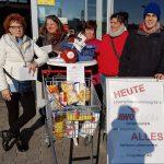 AWo Sandhausen sammelt Lebensmittel beim REWE