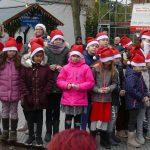 Das passt gut: Diljemer Weihnachtsdorf auf neugestaltetem Willi-Laub-Platz