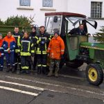 Schluß mit Lametta: Freiwillige Feuerwehren sammelten Weihnachtsbäume ein