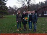 Spendenübergabe der Bastelfrauen bei den Waldpiraten
