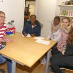 Schülerreporterinnen-Interview mit Sabine Kuhn über den Leimener Tafelladen