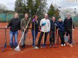 13 Tennis-Außenplätze des TC Blau-Weiß Leimen – Viel Pflegearbeit für Vereinsmitglieder