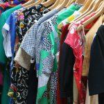 Zeitumstellung ist Schrankumstellung: Winterkleidung raus – Sommerliches rein