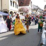 Sandhäuser Frühlingsfest: Bei Sommertagszug und Frühlingsmeile stimmte auch das Wetter
