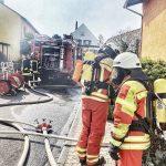 Brennendes Fett setzte in Nußloch Küche in Brand – Haustiere von Feuerwehr gerettet
