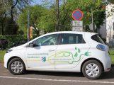 Sandhäuser Rathaus erhält neues elektrisches Dienstfahrzeug
