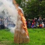 Angellocher Frühlingsfest mit Sommertagsumzug und Winterverbrennung