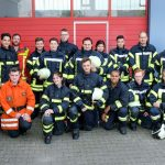 Grundlehrgang bestanden: 17 frisch gebackene Feuerwehr-Frauen und Männer