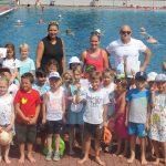 Ding Kindergarten-Kinder bestanden Seepferdchenprüfung im Leimener Freibad