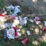 Vodka-saufende, randalierende & asoziale Vandalen verwüsten Gelände bei Hundewiese