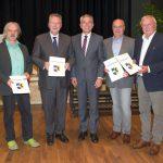 Ralf Frühwirt, Trudbert Orth und Hans-Jürgen Krieger mit Ehrenring des Kreises geehrt