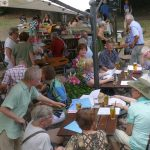 """""""Offenes Singen"""" überraschte die Gäste im Biergarten des Leimen Naturfreundehauses"""