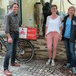 Geschicklichkeitstraining für Gorillas - </br>Sparkasse Heidelberg spendet Spielzeug