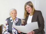 Rosa Weber zum 90.Geburtstag – Bürgermeisterin Claudia Felden gratuliert
