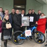 Attraktive Tombola-Preise auf dem Weihnachtsmarkt bei Leimen aktiv