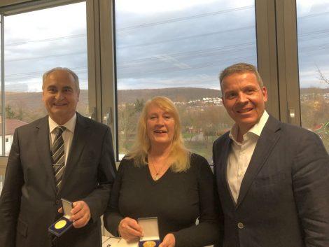 Leimens Bürgermedaille in Gold für </br>Usha Gönnawein und Günther Luitz