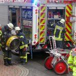 Brand in nur schwer erreichbaren Wohnhaus im Baustellenbereich – Geringer Schaden
