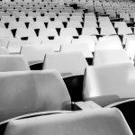 Hochgerechnet: Weitgehende soziale Distanzierung für ALLE oder Systemkollaps