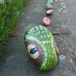 Steinschlange jetzt auch vor der Turmschule