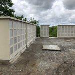 Neue Urnenwand auf dem Bergfriedhof Leimen - Vorplatz Ende Mai fertig