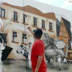 Ochsenbach wird (noch) schöner: Historische Ortsszene als Wandmalerei