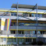 """Diversity-Tag 2020: Landratsamt Rhein-Neckar-Kreis hisst """"Flagge für Vielfalt"""""""