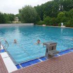 Leimener Freibad weiter geöffnet – </br>Hallenbad öffnet erst im Oktober