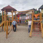 Nußlochs neuster Spielplatz in der Dürerstraße durch Bgm. Förster eingeweiht