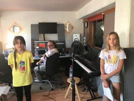 Leimener Musikschule nimmt Lied für die Turmschule auf