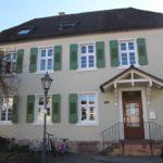 Neue Fassade für das Haus des Sandhäuser Dorfschullehrers - Heute Kernzeitbetreuung