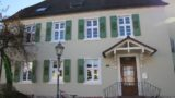 Neue Fassade für das Haus des Sandhäuser Dorfschullehrers – Heute Kernzeitbetreuung