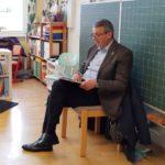 Bundesweiter Vorlesetag: In der Turmschule las auch OB Reinwald den Kindern vor