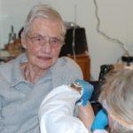 Ruth Frühauf erhielt gestern als Erste im Rhein-Neckar-Kreis die Corona-Impfung