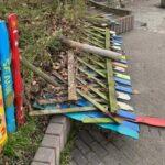 Nußloch: Unbekannte zerstören Holzzaun und Insektenhotels von Schule