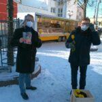FDP-Wahlkampf: Prof. Dr. Thorsten Krings besucht Leimener Wochenmarkt