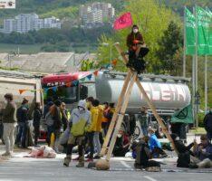Zufahrt zum Leimener Zementwerk von nicht angemeldeter Demo blockiert