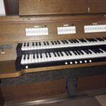 Alte Trauerhallen-Orgel des Nußlocher Friedhofs zu verschenken