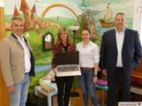 Laptop-Spende: Sparkasse Immobilien Kraichgau unterstützt Musikschule Leimen